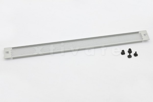 "Triton 19"" perforierte Blindplatte 3HE mit Kunststoffstöpsel (RAC-ZP-X43-A1)"