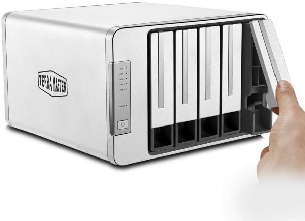 TerraMaster D5-300C 5-Bay 10TB Bundle mit 5x 2TB IronWolf ST2000VN004